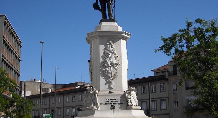 Estatua de Pedro V